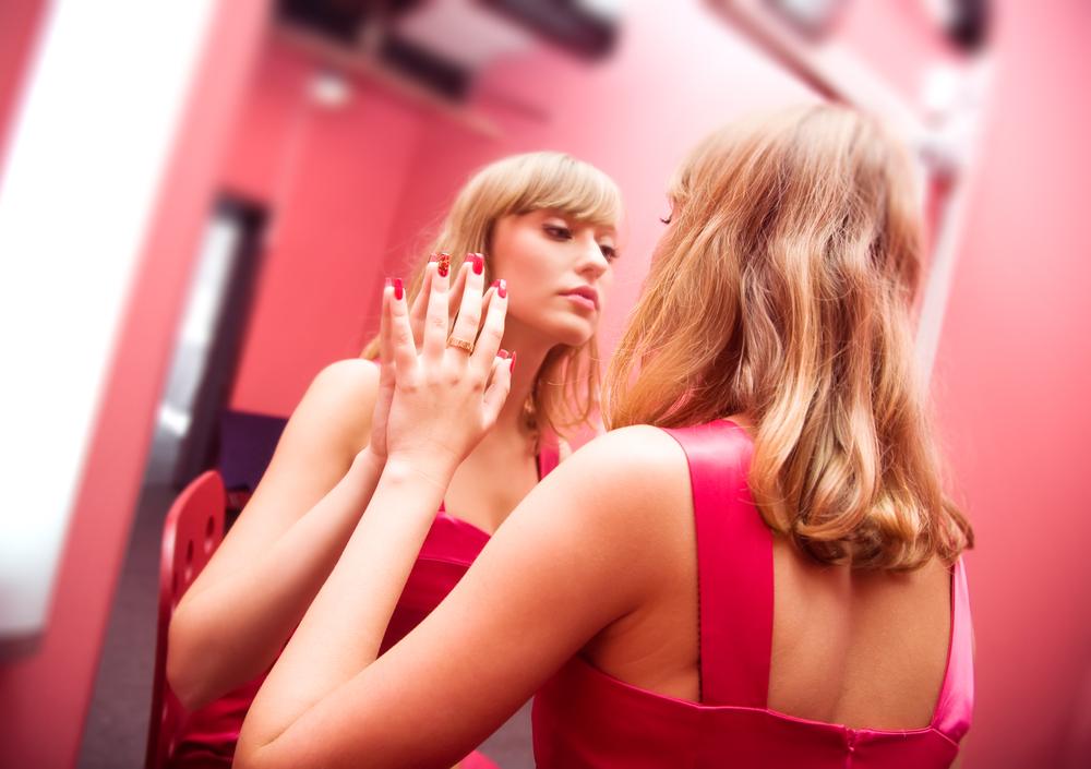 自己愛性人格障害の原因は巧妙なモラルハラスメントかもしれない。