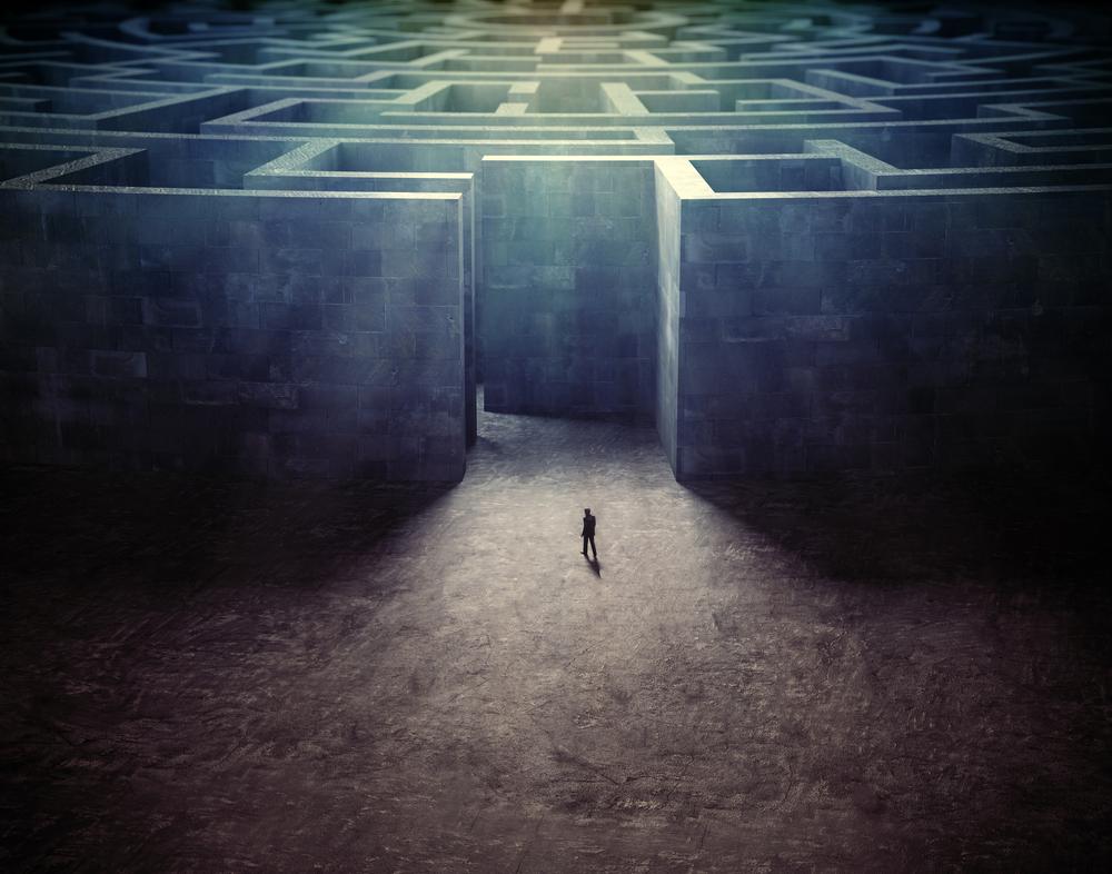 マインドコントロールの1つ。1度存在を殺してから外部を遮断し内部にだけ存在を認めるものがあると信じ込ませてから囲って逃がさないようにする。