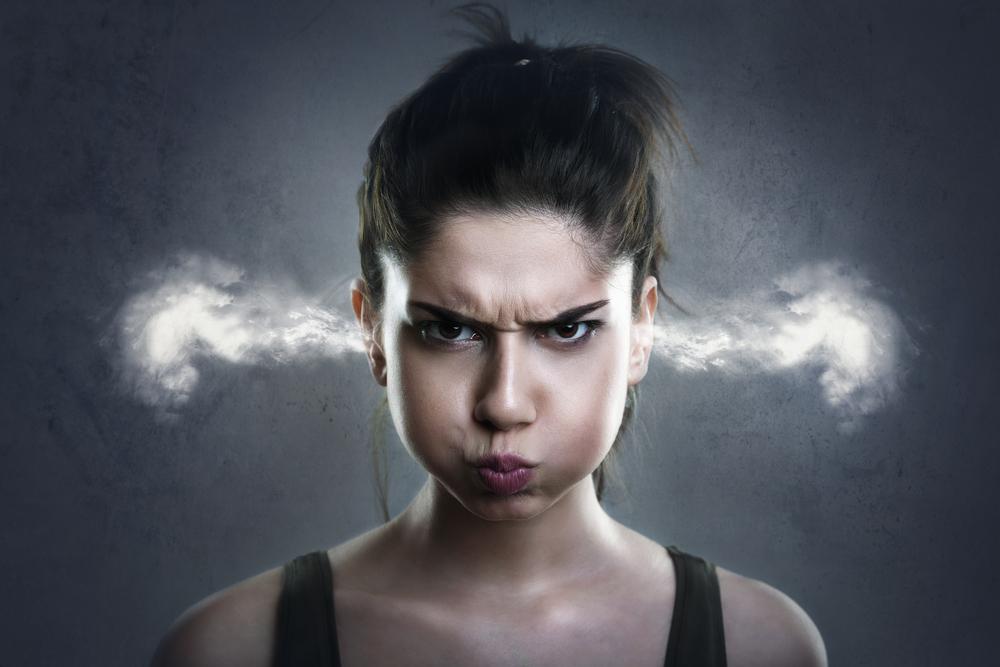 すぐ怒ってしまう自分は病気?すぐ怒る人は虐待を受けていたかもしれない。
