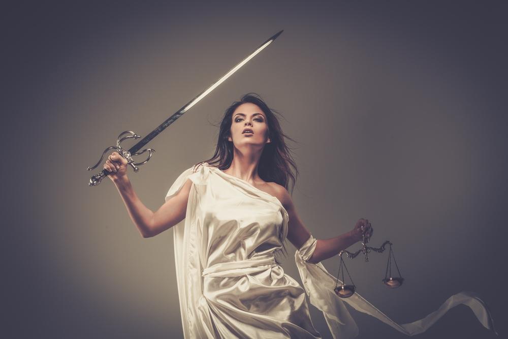 「嘘」や「妄想」が傷つけることに繋がるのです。そして「嘘」や「妄想」につけられた「傷」は中々癒せない。それを癒す力があるのが「公正(正当なこと)」なんです。「正義の女神テミス」をあなたの心に…