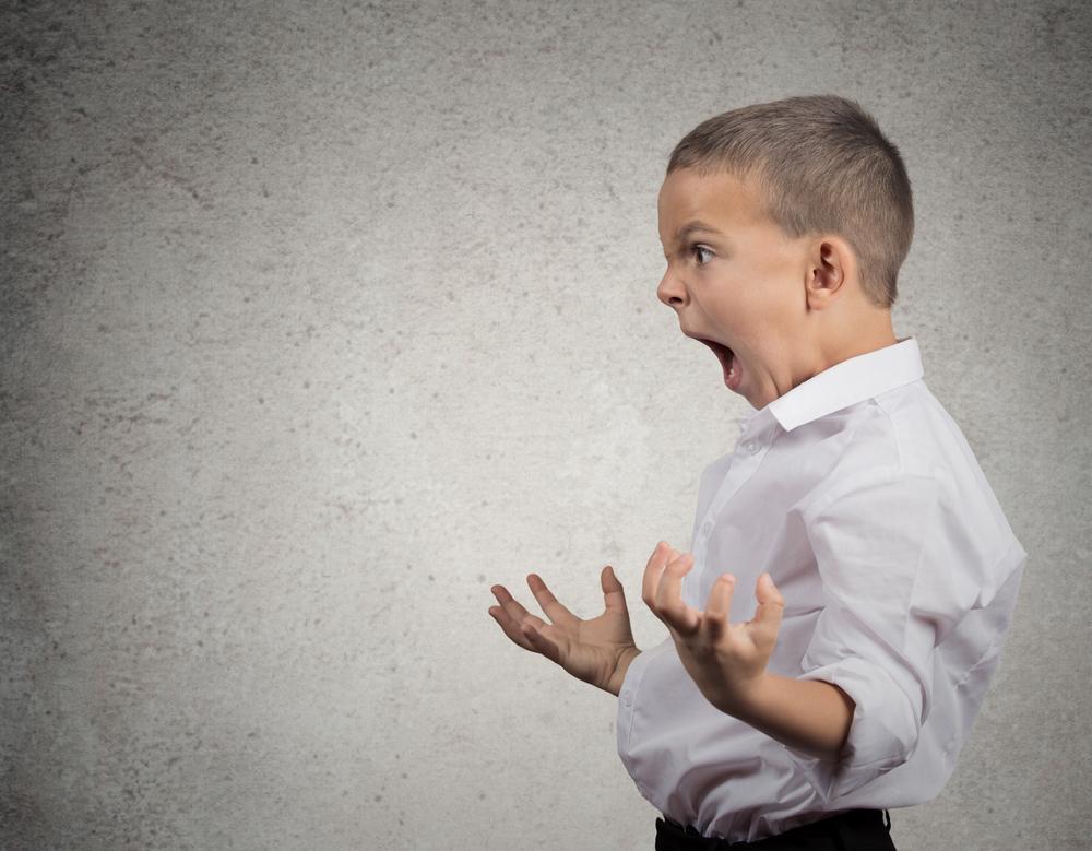 小学生に人気だった「いつ?どこで?誰が?何時何分何秒?地球が何回まわったとき~?」のフレーズは迎合的なパーソナリティのモラルハラスメントの加害者がいる環境の影響を受けた子供が使う場合もある。
