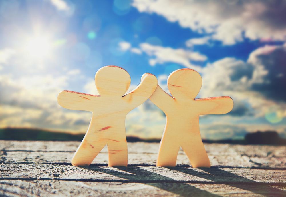 強い「絆」になるには!?「学びと責任」によって、脆い依存の繋がりではない強固な絆になるのです。