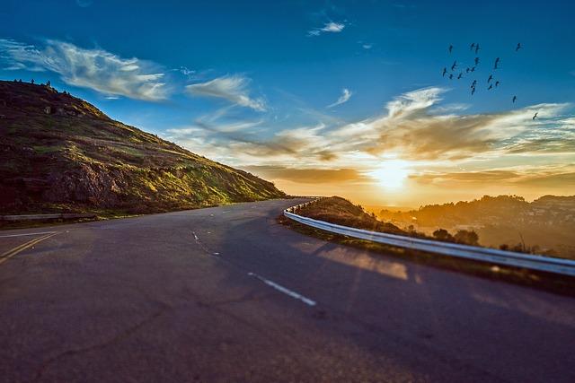 「人の世に道は一つということはない。 道は百も千も万もある 坂本龍馬」道は作るものです。あなたが今、生きていることで道が作られているのです。