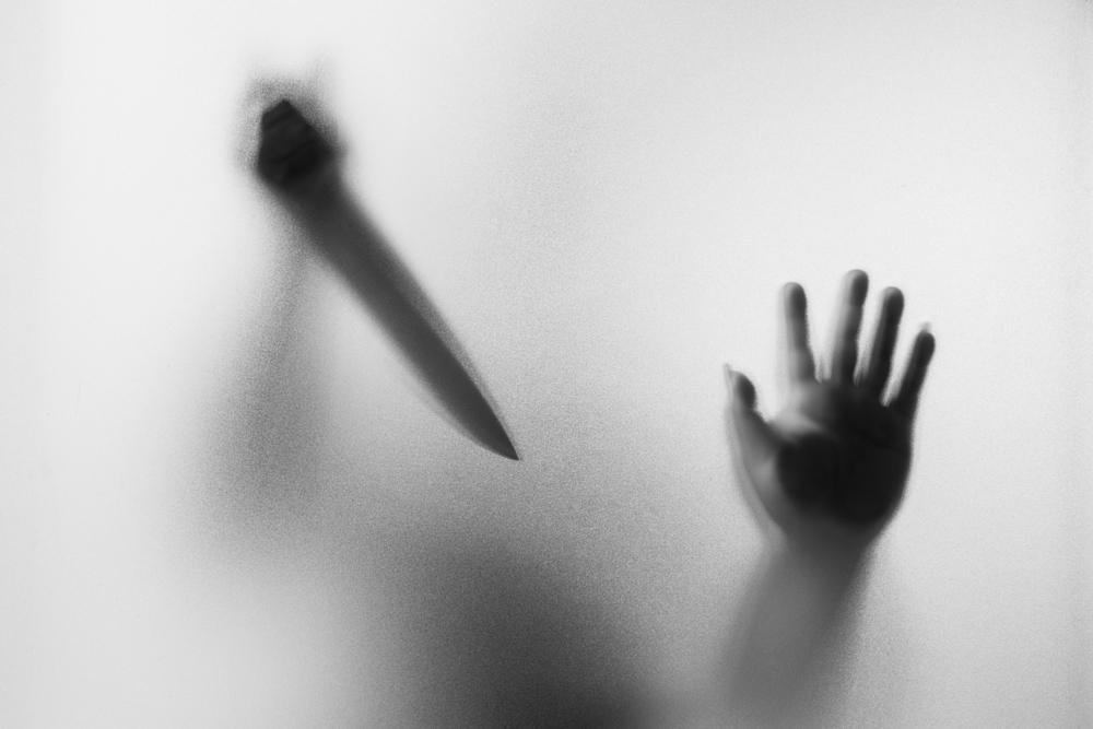 よくある親子間での「殺人」。これは突然起こったのではなく起こるべくして起こっている。成るように成っている。相手の心を長い時間かけて殺す。それが反撃として殺されるという形となって現れてきている場合がある。