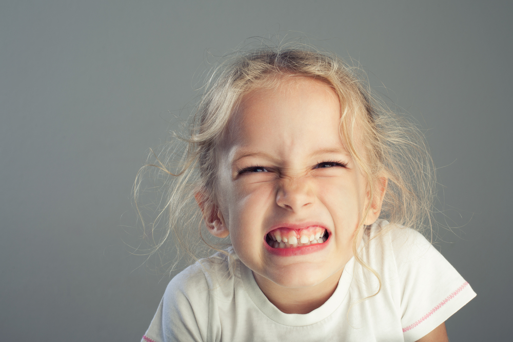 歯のすり減りが激しい睡眠中の歯ぎしりが治った!真の歯ぎしり解消法!極度のストレスが原因!?
