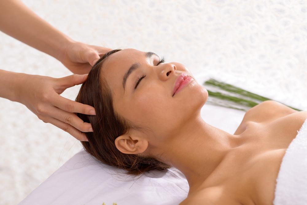 頭皮マッサージによって脳の血流も上がり自律神経のバランスも整う。
