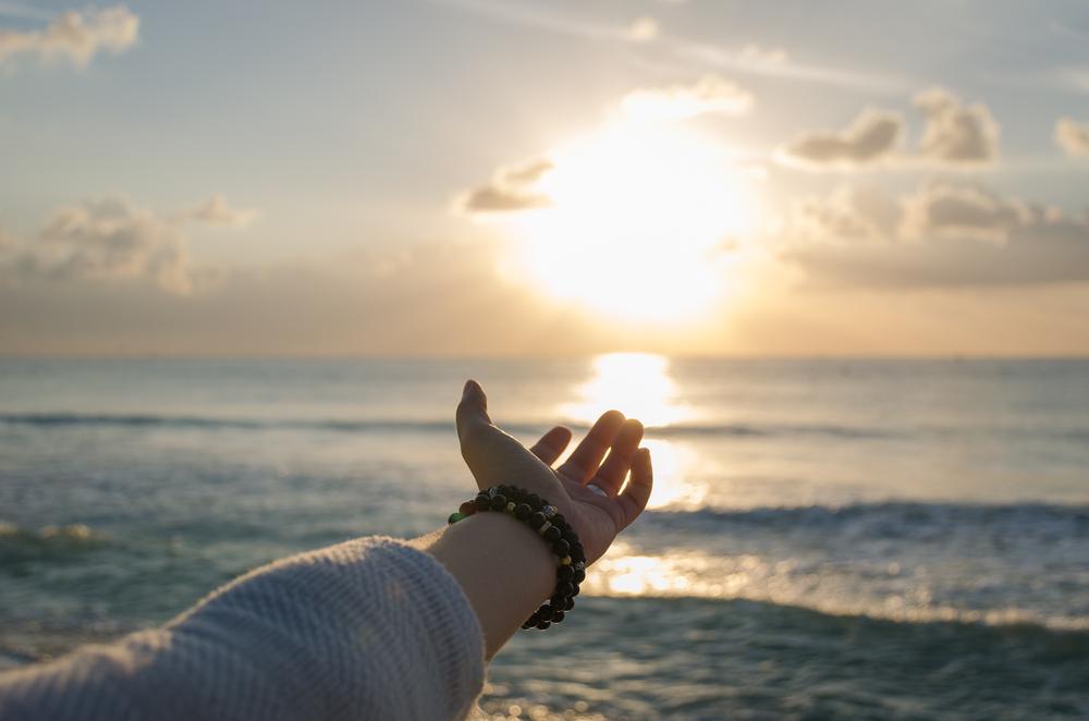 催眠療法士の橋本奈美さんの【SHIP】は、本当の自分と繋がって人生を変えることが出来る方法!アメリカでは既に「医療」として「正式」に認められて「効果も実証!」本格的な催眠療法!