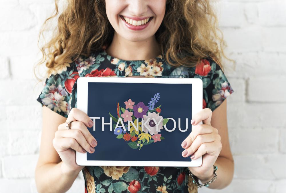 自分が変わりさえすれば、身の回りに「ありがとう」と思えることが、いっぱい溢れているものなんです。自分の未熟さに気がついた時に、人は「自分も貢献したい」「恩返しをしたい」と思うのです。