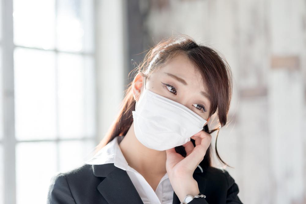 マスクで顔や表情筋を隠したい人の心理とは?マスク依存症の理由は?