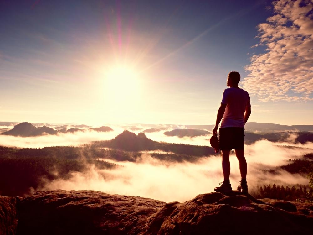 アメリカの思想家、詩人である「ラルフ・ウォルド・エマーソン」の「自己信頼」という名著を読んで「確信していることを発すれば普遍的な意味を持つ」ということを信じてみました。