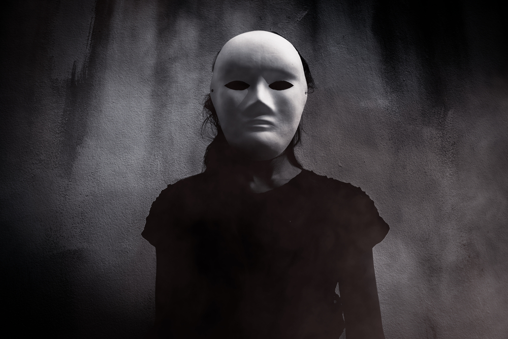 モラルハラスメントの加害者は「不可解なこと」を起こしておきながら、その証拠がない場合、被害者の「妄想」とすり替える異常性があります。