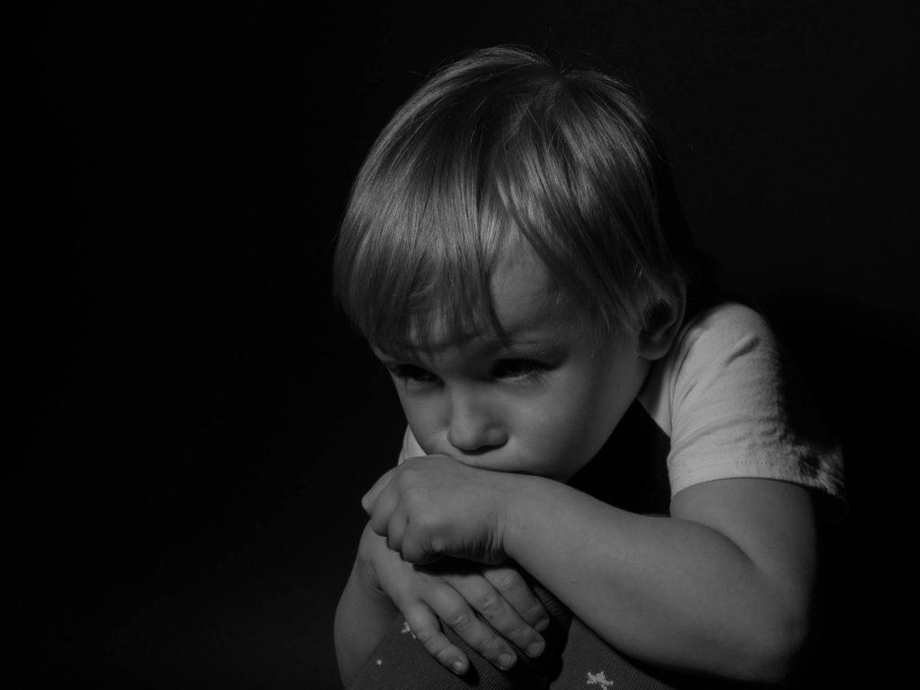 心の中の小さな自分が悲しんでいる…。自分が自分を認めに行くこと!勇気を持て。そして戦え。