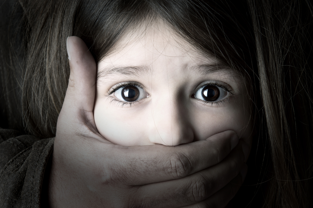 たくさんの感情を無意識下に抑圧している…感情の解放が必要です。