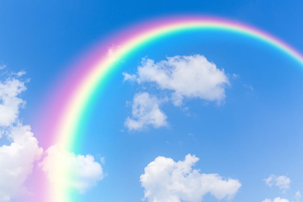 しっかり泣いて悲しみや苦しみの感情を開放すると解釈に変化が起こる!雨の後には虹が出るように、涙の後には色鮮やかな感情(自分の感情)が蘇ってきます。
