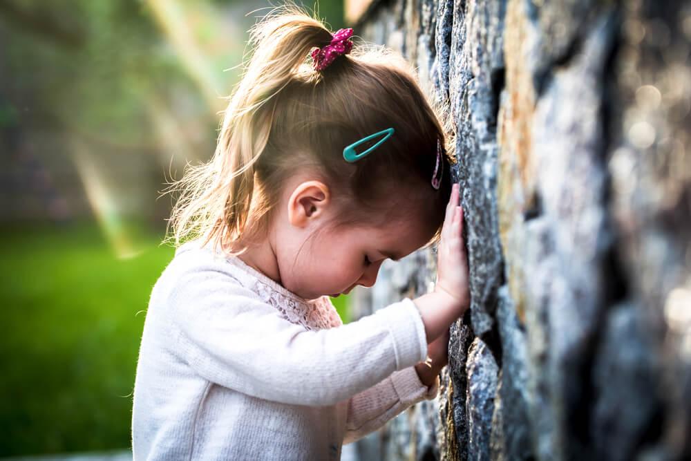 あなたが、心の中の小さな自分の親になることで、理解が深まっていきます。理解によって心が癒されます。