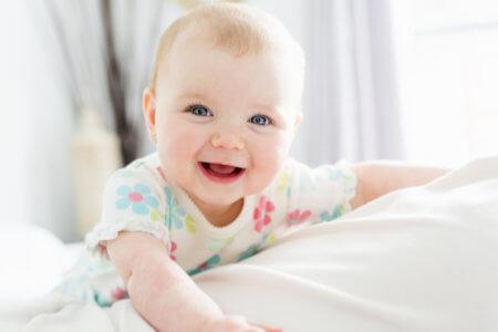 心の苦しみから抜け出す方法は、赤ちゃんを見習い、脳科学を超えていた大昔の仏陀が説いた「5つの○〇〇」を実践すれば良いのです。