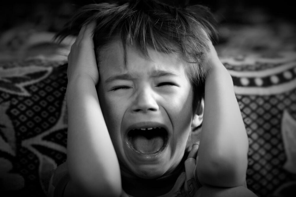 洗脳された亡者(心を守らない者)たちが、子供たちの心を殺している!