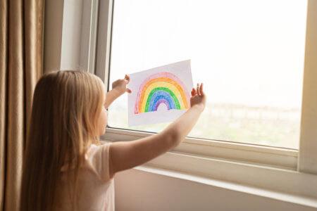 トラウマによる身体の硬直は解けるのに長い時間がかかる!生みの苦しみ!僕は苦しんで良かったと思う。あなたも、自分の親となり、 自分自身の心を温めてあげて下さい。  その奥には、あなたの色々な感情(虹色)がたくさんあるでしょう。