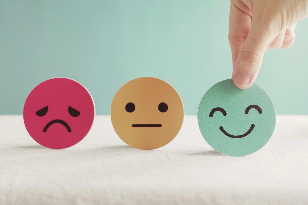 心が軽くなった人たちは、皆、肯定的な意味づけ、プラスな意味づけをしている! 認知の歪みマイナス化思考を修正しよう!